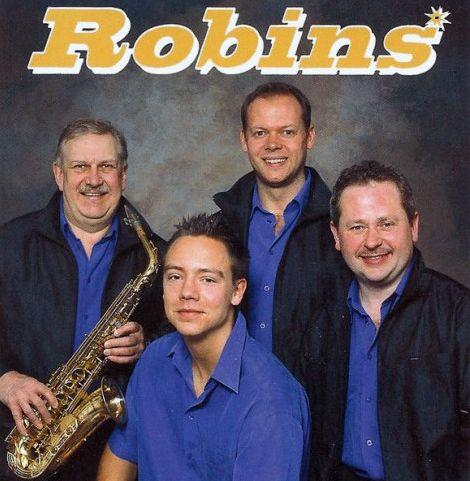 Robins orkester inleder danserna i Degerforsparken 2012