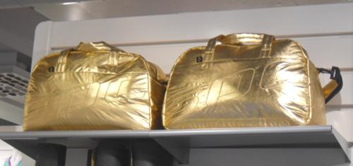 Snygga guldväskor