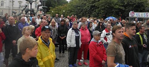 Publik på torget