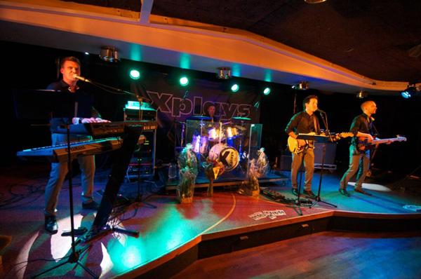X-plays live på scenen
