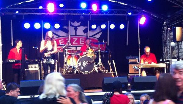 Ezzex orkester på Malmöfestivalen. Bild lånad från bandets hemsida