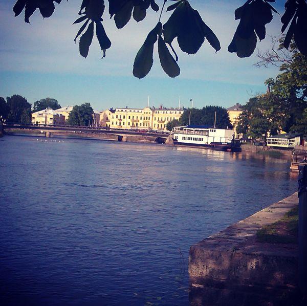 Vy över Karlstad med Stadshotellet