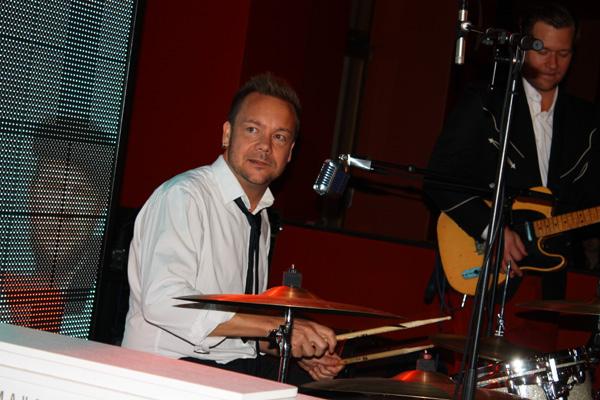 Daniel gjorde sitt första jobb med bandet.