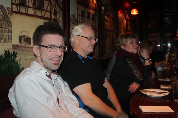 Jag och arbetskamrater på restaurang