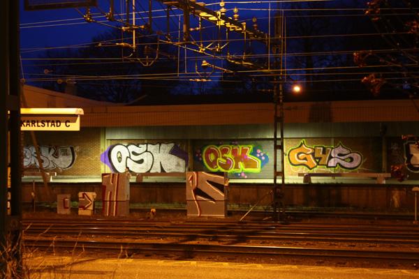 Vid järnvägsstationen