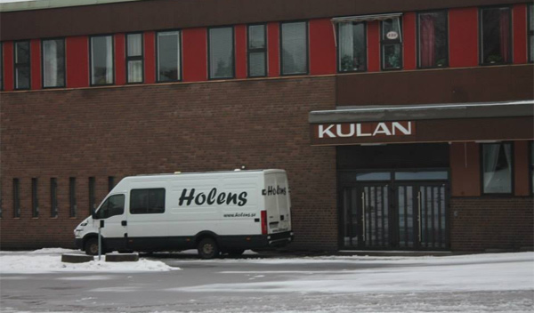 Bussen parkerad utanför Kulturhuset