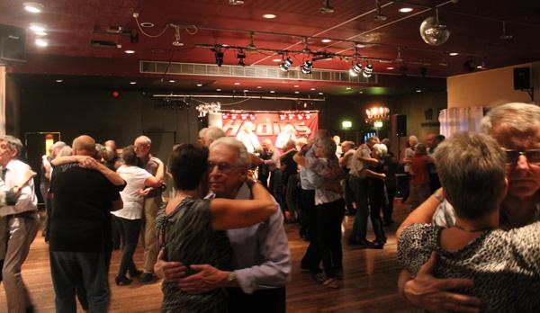 Dansen i full gång
