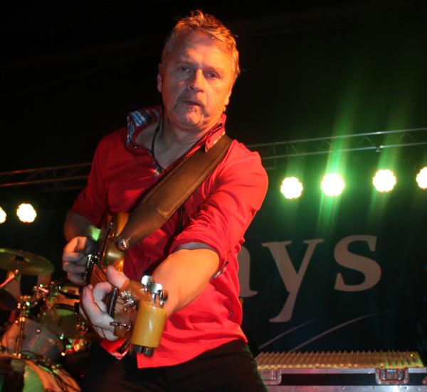 Michael på guitar