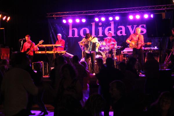 Holidays på scenen