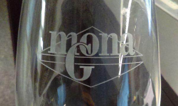 monags.glas02